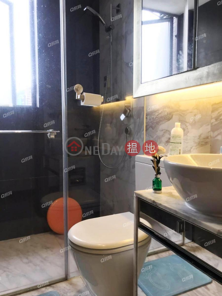 HK$ 55,000/ month | Centre Point, Central District, Centre Point | 3 bedroom High Floor Flat for Rent