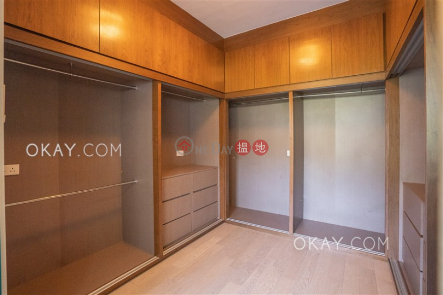 Lovely house with rooftop & parking | For Sale | Springfield Gardens 春暉閣 Sales Listings