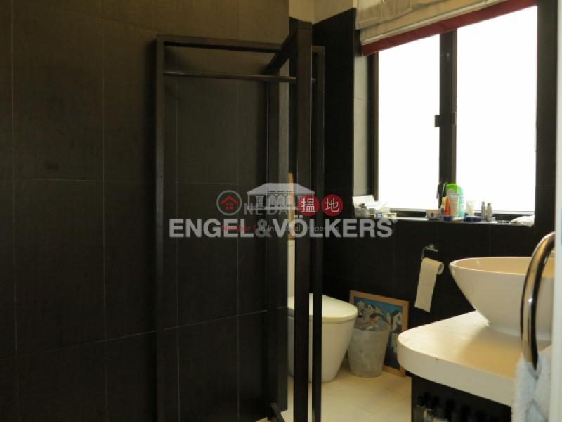 HK$ 18M 27-29 Village Terrace, Wan Chai District, 2 Bedroom Flat for Sale in Happy Valley