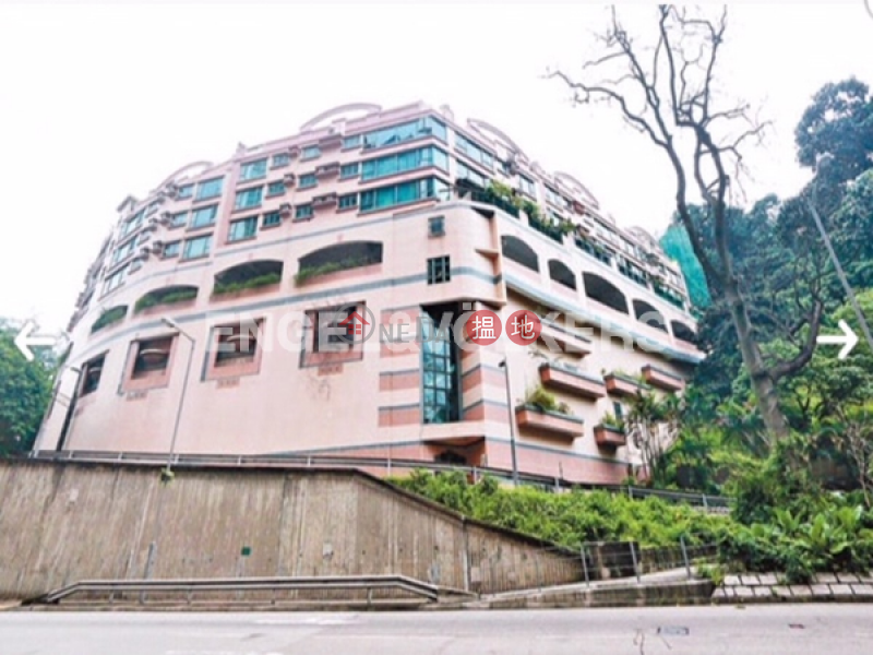 Property Search Hong Kong | OneDay | Residential | Rental Listings | 3 Bedroom Family Flat for Rent in Lai Chi Kok