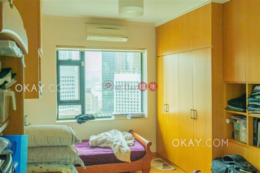 HK$ 6,200萬|威豪閣|中區3房2廁,實用率高,連車位威豪閣出售單位
