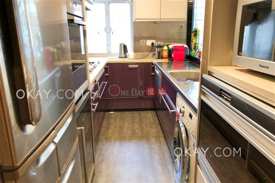Efficient 2 bedroom with balcony | For Sale | Village Tower 山村大廈 Sales Listings