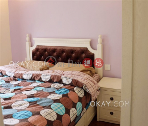 Tasteful 2 bedroom in Pokfulam | For Sale|Academic Terrace Block 2(Academic Terrace Block 2)Sales Listings (OKAY-S108578)_0