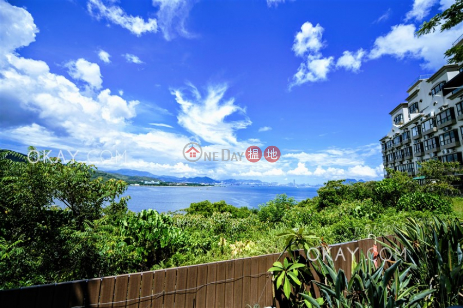 HK$ 16.7M Discovery Bay, Phase 4 Peninsula Vl Crestmont, 40 Caperidge Drive, Lantau Island | Lovely 3 bedroom with sea views & terrace | For Sale
