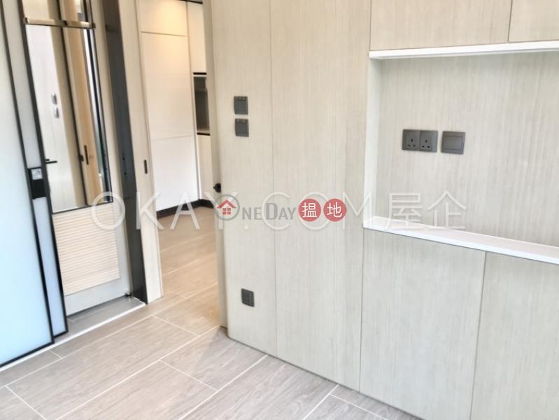 1房1廁,實用率高,極高層,星級會所本舍出租單位-18堅道   西區香港出租HK$ 28,500/ 月