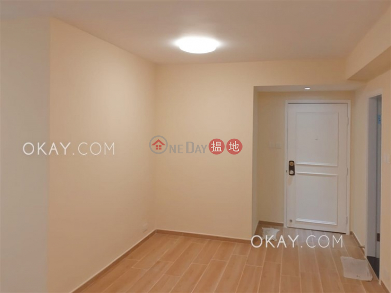 HK$ 31,000/ month Pokfulam Gardens Block 3   Western District   Stylish 3 bedroom in Pokfulam   Rental