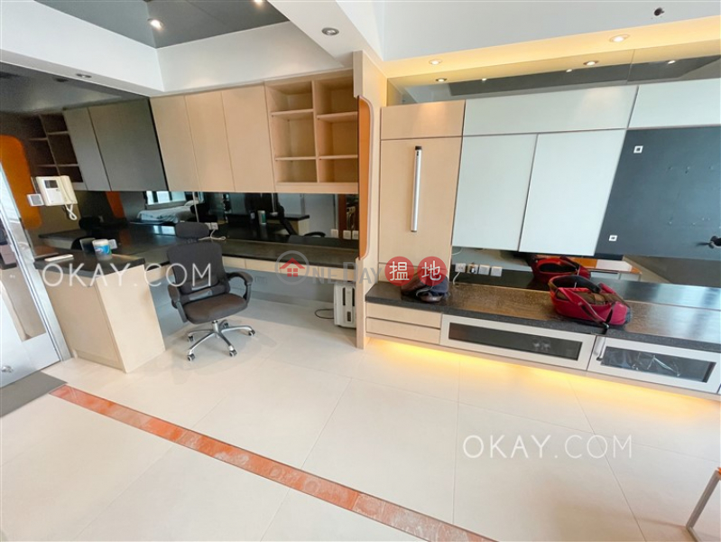 HK$ 14M | The Arch Star Tower (Tower 2) | Yau Tsim Mong, Charming 1 bedroom in Kowloon Station | For Sale