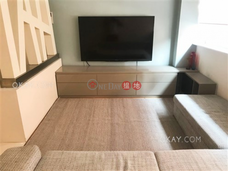 Rare 2 bedroom with parking   For Sale, 3 Wang Fung Terrace 宏豐臺 3 號 Sales Listings   Wan Chai District (OKAY-S61670)