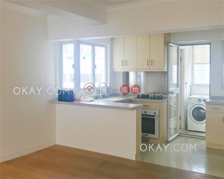 Luxurious 2 bedroom on high floor   For Sale   Friendship Court 友誼大廈 Sales Listings