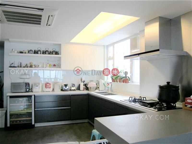 Rare 3 bedroom with harbour views, balcony | For Sale | Sky Scraper 摩天大廈 Sales Listings