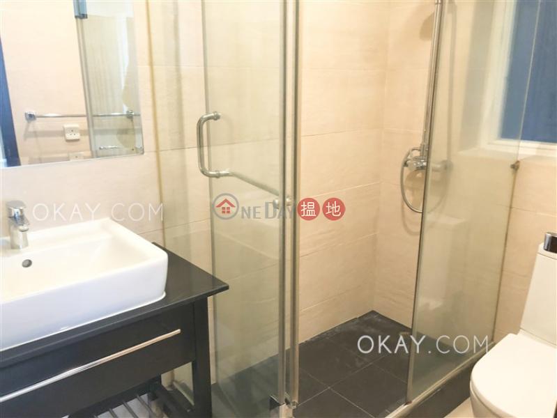 Gorgeous 2 bedroom with balcony | Rental, Garfield Mansion 嘉輝大廈 Rental Listings | Western District (OKAY-R63227)