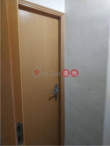Flat for Rent in 25-27 Swatow Street, Wan Chai 25-27 Swatow Street | Wan Chai District Hong Kong Rental HK$ 12,000/ month