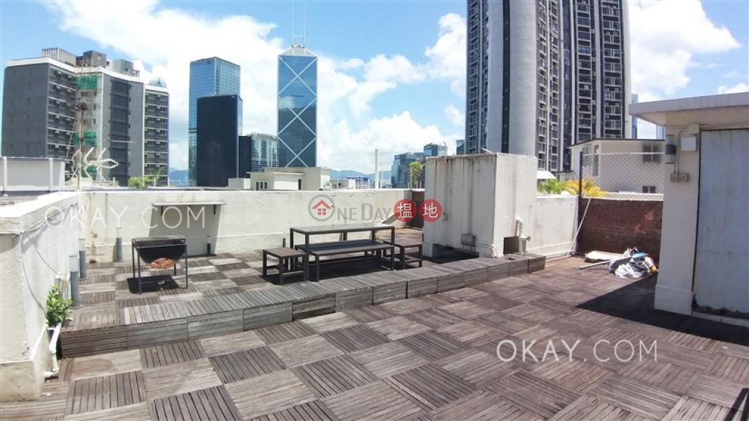 HK$ 55,000/ month 6B-6E Bowen Road, Central District   Elegant 3 bedroom with rooftop & parking   Rental