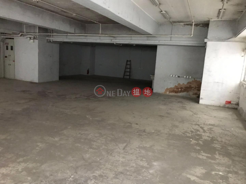 HK$ 100,000/ month | Goodwill Industrial Building Tsuen Wan | 信義靚裝半倉寫方正實用 企理寫倉, 獨立廁 無柱大倉,可入大櫃