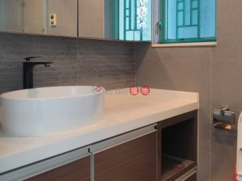 HK$ 24,000/ 月|翠擁華庭6座馬鞍山|即租即住, 3房+工人房, 近馬鐵站, 鄰近大型超市及街市