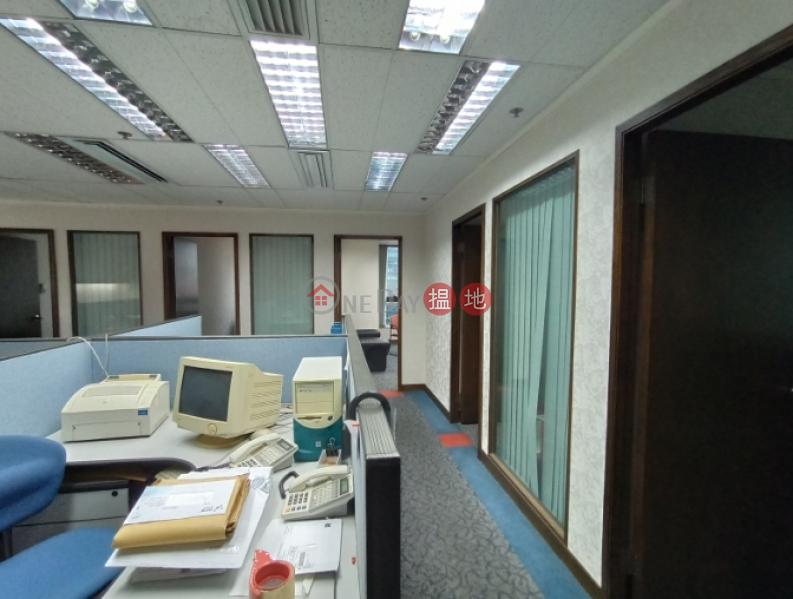 HK$ 65,340/ month Emperor Group Centre, Wan Chai District, TEL: 98755238