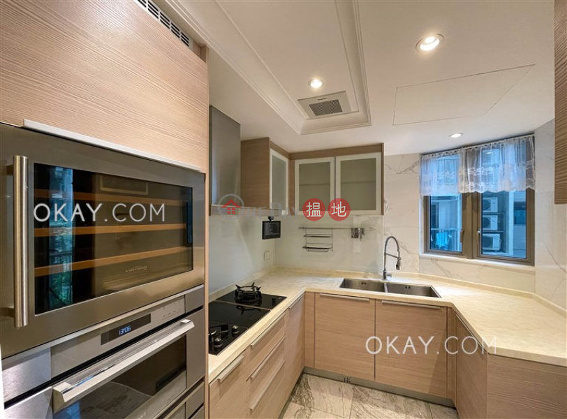 Luxurious 4 bedroom with balcony & parking | For Sale 23 Fo Chun Road | Tai Po District | Hong Kong Sales, HK$ 18M