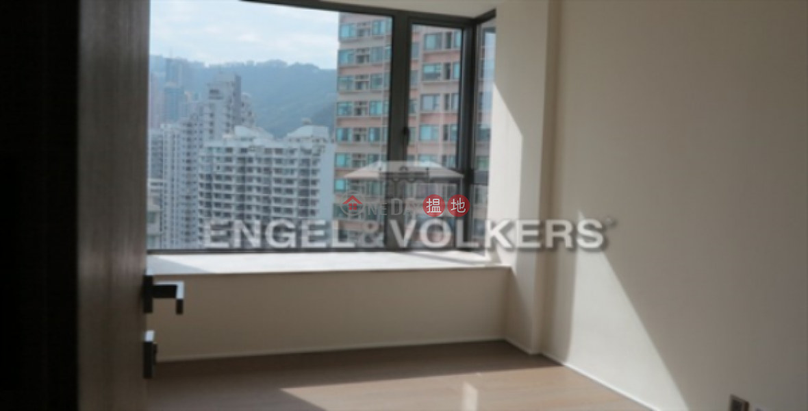 HK$ 58.5M | Azura Western District, 3 Bedroom Family Flat for Sale in Mid Levels West