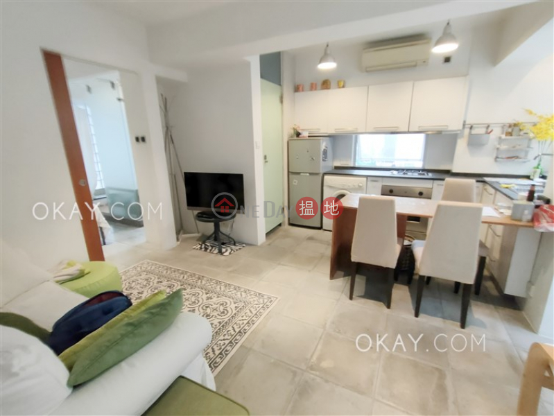 HK$ 30,000/ month, Golden Coronation Building, Wan Chai District Unique 1 bedroom with terrace | Rental