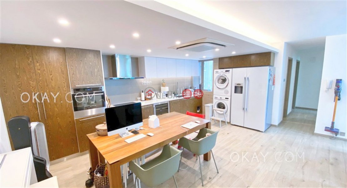 Nicely kept 3 bedroom on high floor | For Sale | (T-11) Po Shan Mansion Kao Shan Terrace Taikoo Shing 寶山閣 (11座) Sales Listings