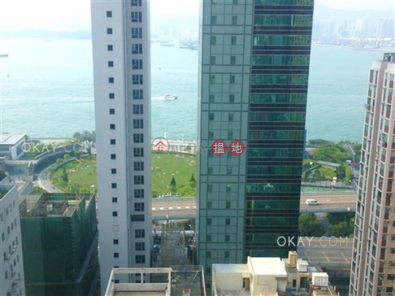 HK$ 28,000/ month Elite\'s Place, Western District Unique 2 bedroom on high floor with balcony | Rental