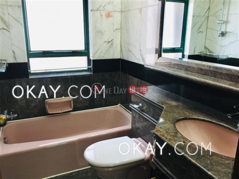 3房2廁,極高層,星級會所,可養寵物《曉峰閣出租單位》|曉峰閣(Hillsborough Court)出租樓盤 (OKAY-R32484)
