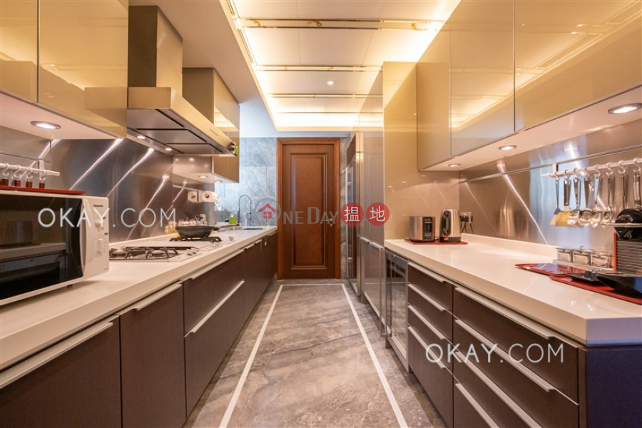 Stylish 1 bedroom with balcony & parking | For Sale | Chantilly 肇輝臺6號 Sales Listings
