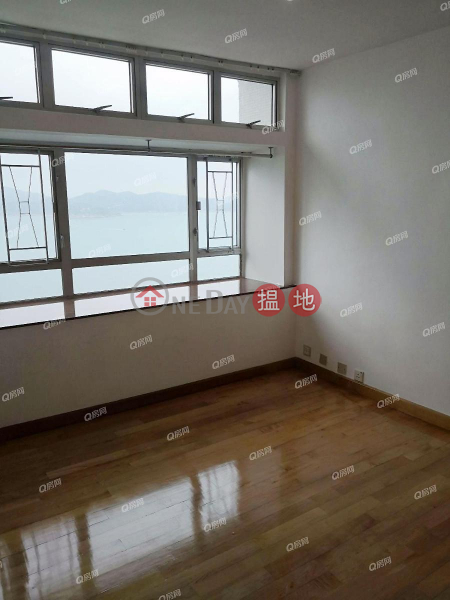 Property Search Hong Kong | OneDay | Residential Sales Listings South Horizons Phase 2 Yee Wan Court Block 15 | 4 bedroom Mid Floor Flat for Sale
