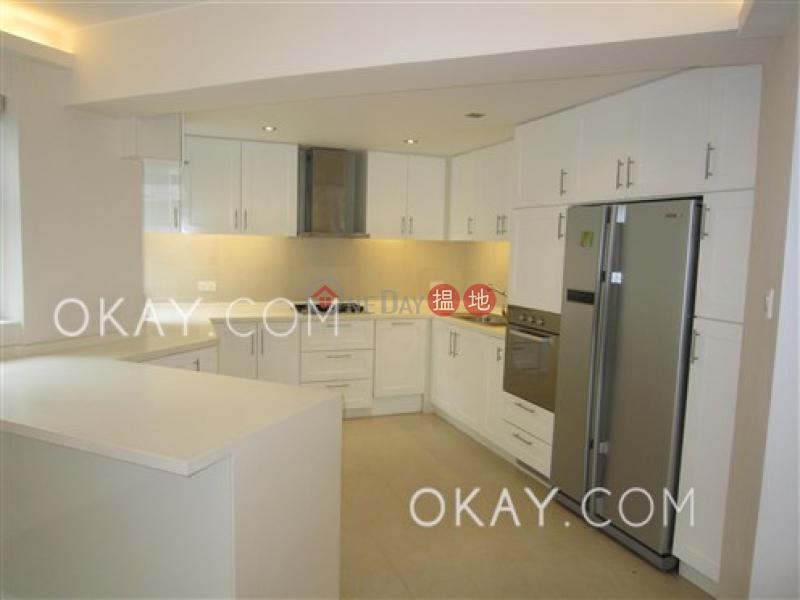 HK$ 13M | Discovery Bay, Phase 5 Greenvale Village, Greenbelt Court (Block 9) Lantau Island, Luxurious 4 bedroom on high floor | For Sale
