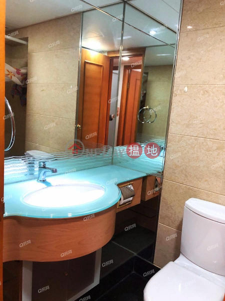 HK$ 23,500/ month Tower 2 Island Resort Chai Wan District, Tower 2 Island Resort | 3 bedroom Mid Floor Flat for Rent
