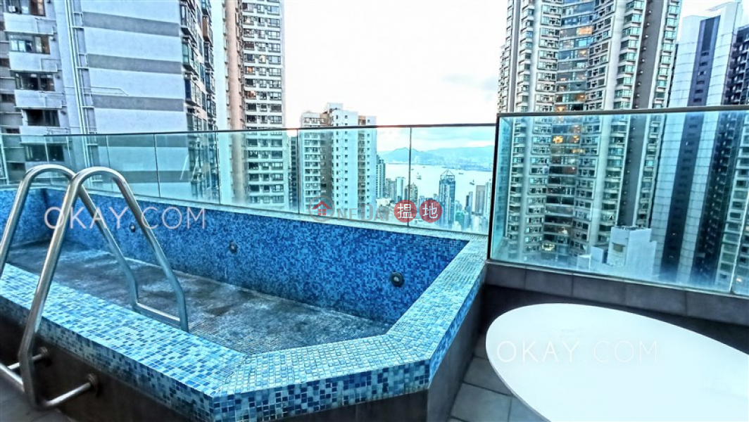 Exquisite penthouse with harbour views, rooftop | Rental | The Icon 干德道38號The ICON Rental Listings