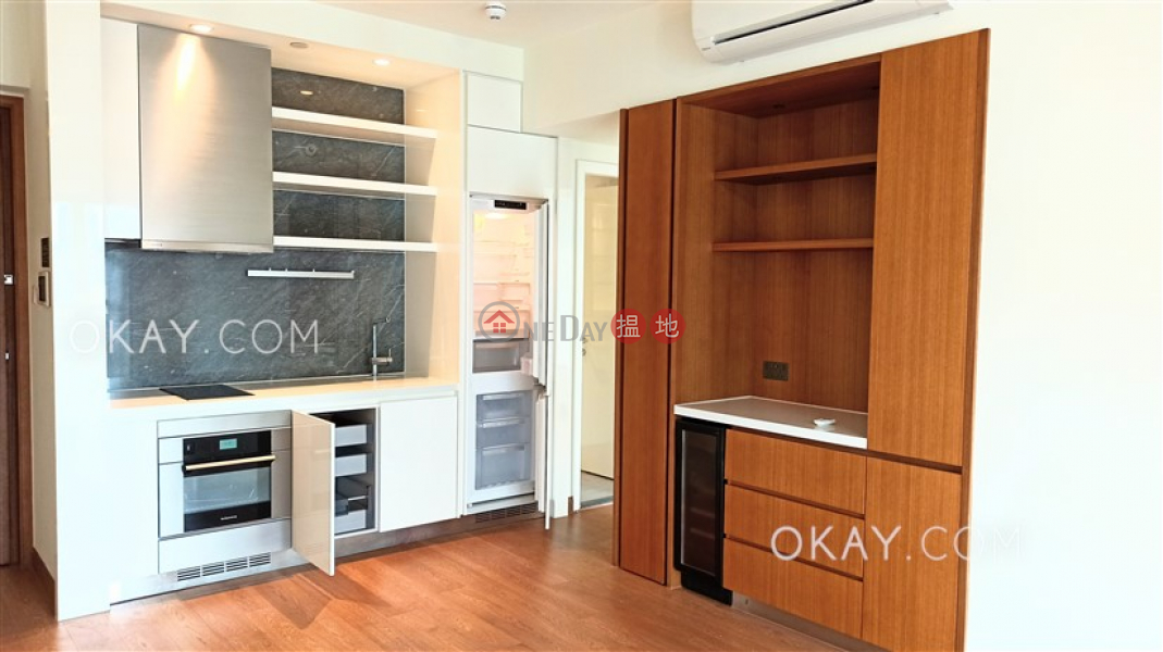HK$ 45,000/ month | Resiglow, Wan Chai District | Nicely kept 2 bedroom on high floor with balcony | Rental