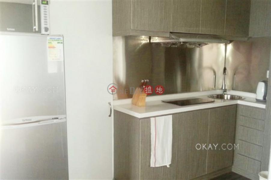 HK$ 25,000/ 月 華利樓-西區-2房1廁,極高層,露台華利樓出租單位