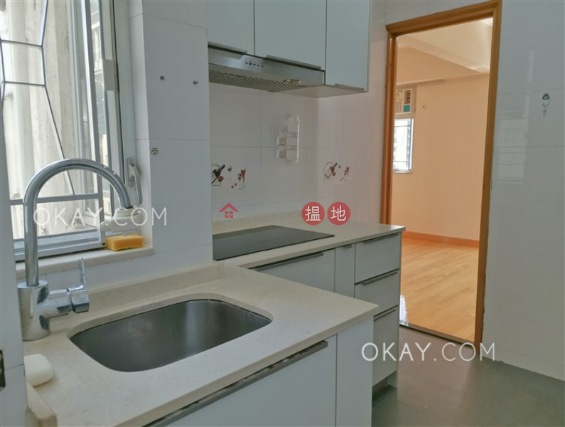HK$ 8.8M | Grand View House, Wan Chai District | Charming 2 bedroom on high floor | For Sale