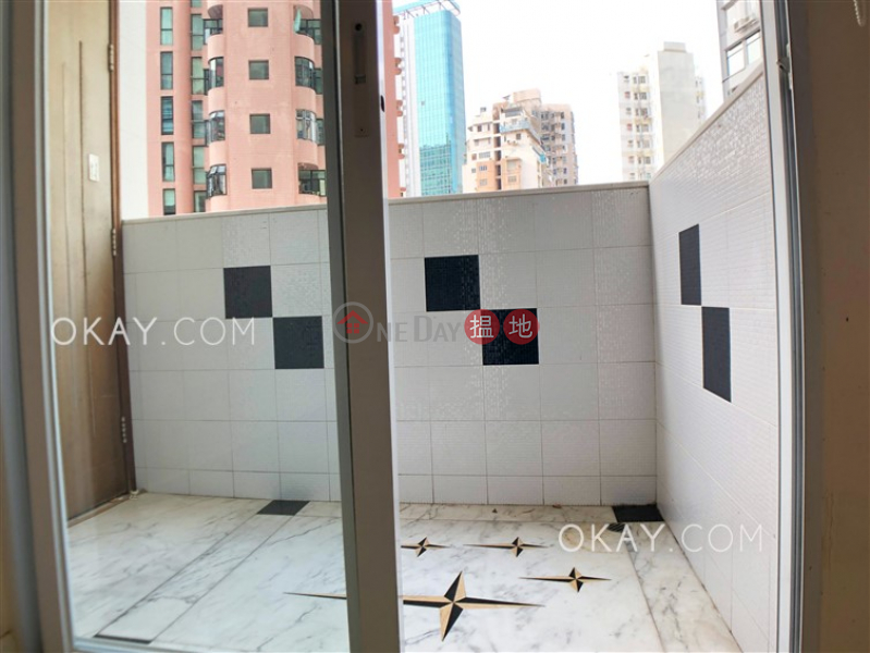 Efficient 3 bedroom with balcony & parking | Rental | Silver Star Court 銀星閣 Rental Listings