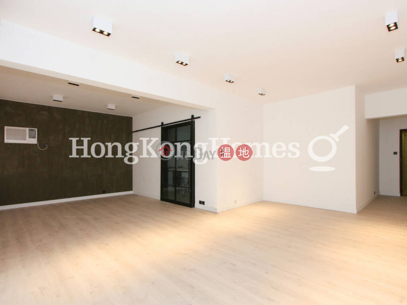 3 Bedroom Family Unit for Rent at Emerald Court   Emerald Court 翡翠樓 Rental Listings