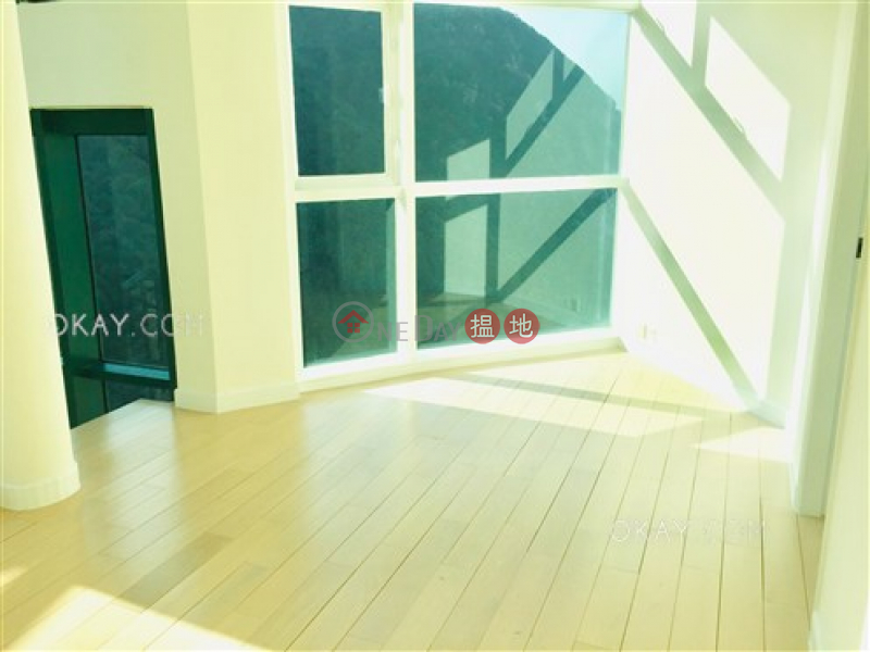 Rare 3 bed on high floor with harbour views & rooftop | Rental | Hillsborough Court 曉峰閣 Rental Listings