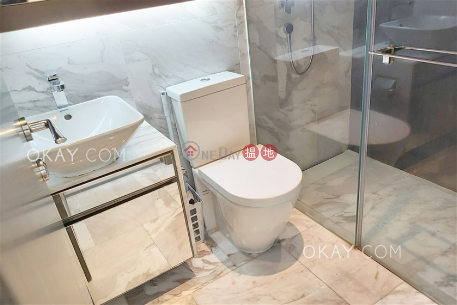 Centre Point Middle Residential, Rental Listings HK$ 25,000/ month
