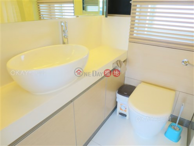 Luxurious 3 bedroom with terrace | For Sale | Centrestage 聚賢居 Sales Listings