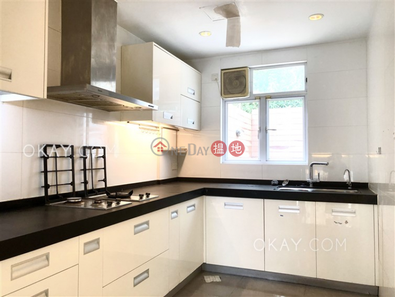 Lovely house with terrace & parking | For Sale | Las Pinadas 松濤苑 Sales Listings
