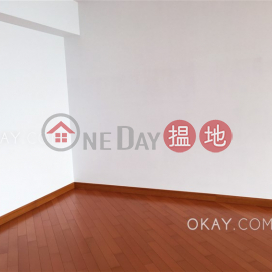 Exquisite 3 bedroom on high floor with balcony | For Sale