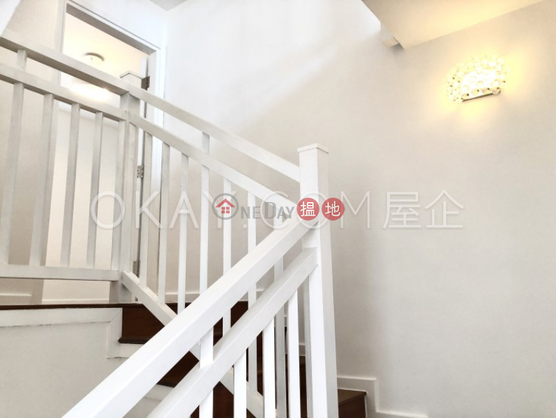 Gorgeous 3 bedroom with parking | Rental, Queen\'s Garden 裕景花園 Rental Listings | Central District (OKAY-R23351)