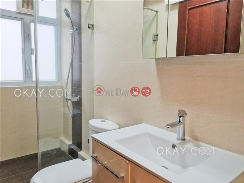 Elegant 2 bedroom in Sai Ying Pun | Rental | 62-64 Centre Street 正街62-64號 Rental Listings