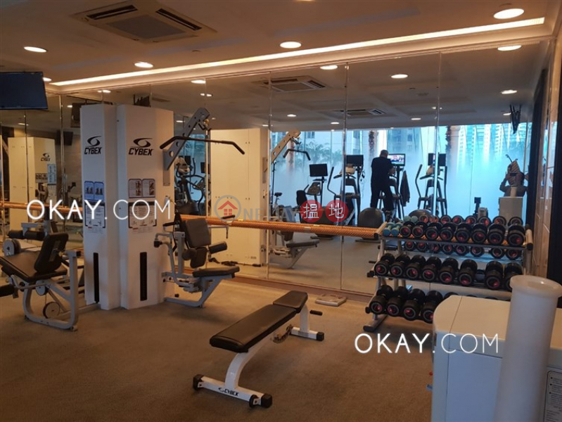 Charming 2 bedroom on high floor with parking | Rental | Hillsborough Court 曉峰閣 Rental Listings