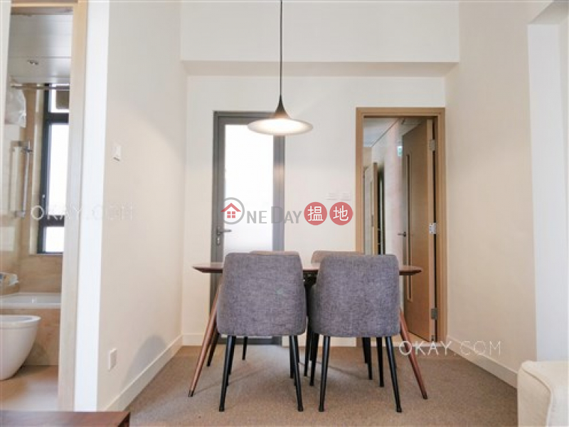HK$ 25,400/ month, 18 Catchick Street, Western District, Unique 2 bedroom with balcony | Rental