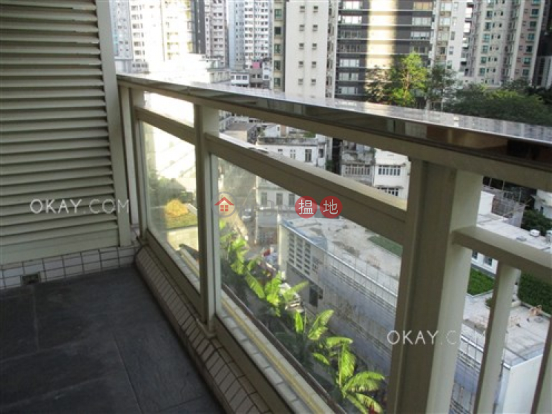 HK$ 25,800/ month, Centrestage | Central District | Charming 2 bedroom with balcony | Rental