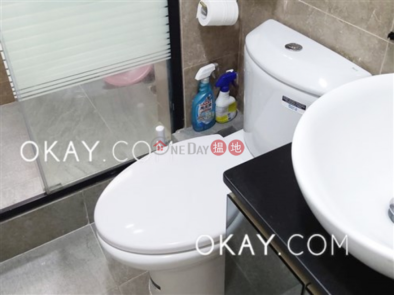 Unique 2 bedroom on high floor | For Sale | Wah Hing Industrial Mansions 華興工業大廈 Sales Listings