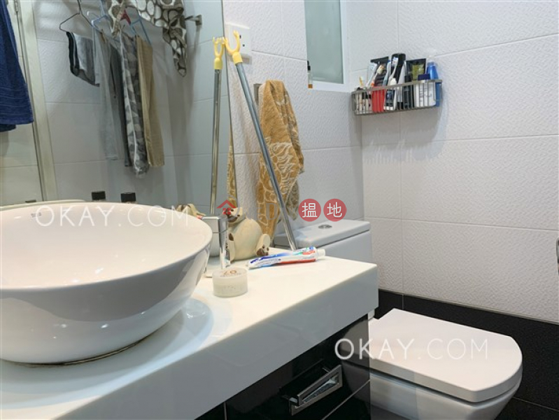 Gorgeous 3 bedroom in Causeway Bay | For Sale | Bay View Mansion 灣景樓 Sales Listings