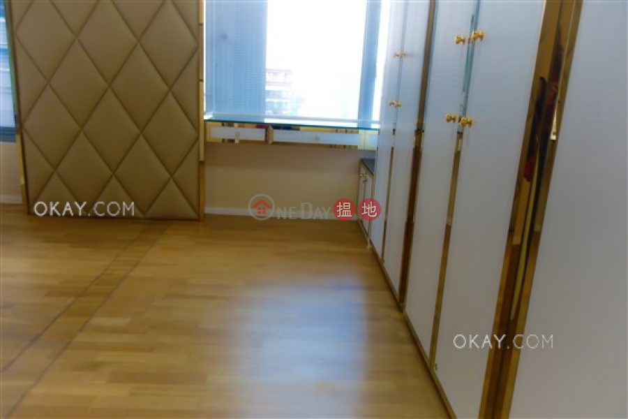HK$ 86,000/ month Seymour Western District | Unique 3 bedroom on high floor with balcony | Rental
