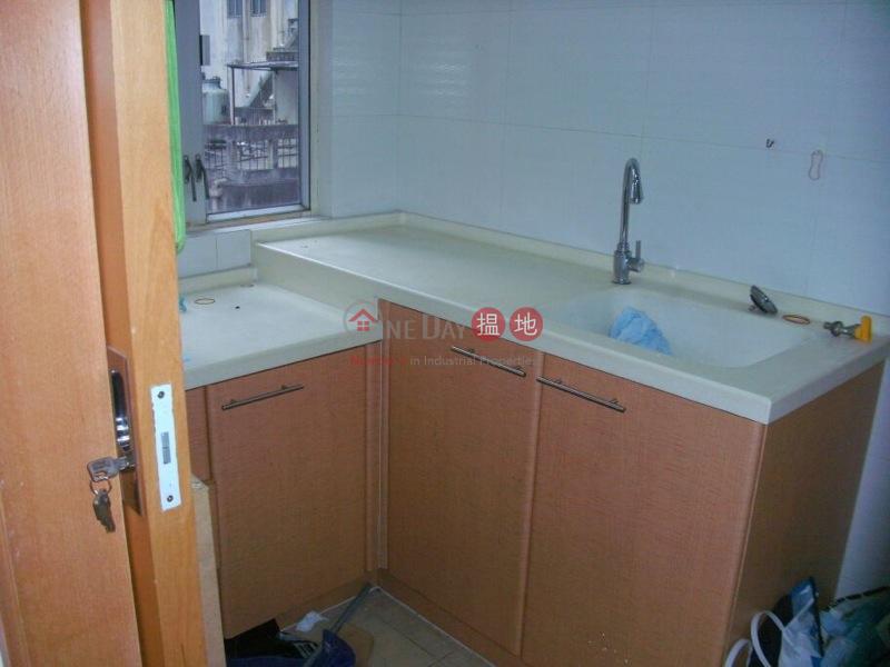 中環兩房公寓-52-60擺花街 | 中區-香港-出租|HK$ 15,500/ 月